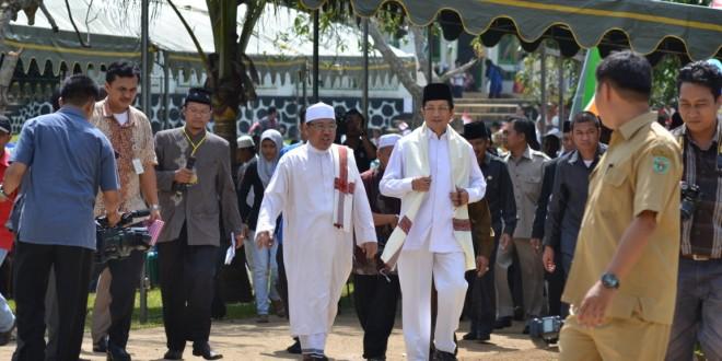 Kunjungan Wakil Menteri Agama RI Dalam Acara Nikah Massal Muallaf