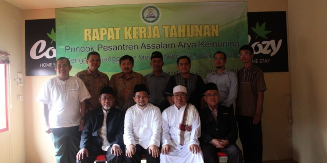 [FOTO] Silaturahim Ust. H. Hadi Mulyadi S.Si, MSi (FPKS-DPR RI) dalam Rapat Kerja Ke-2 Ponpes Assalam